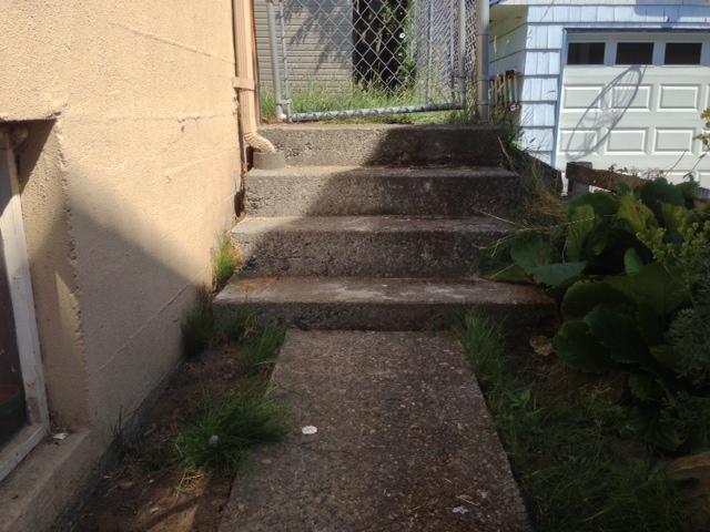 concrete-leveling-under-steps-after-seattle