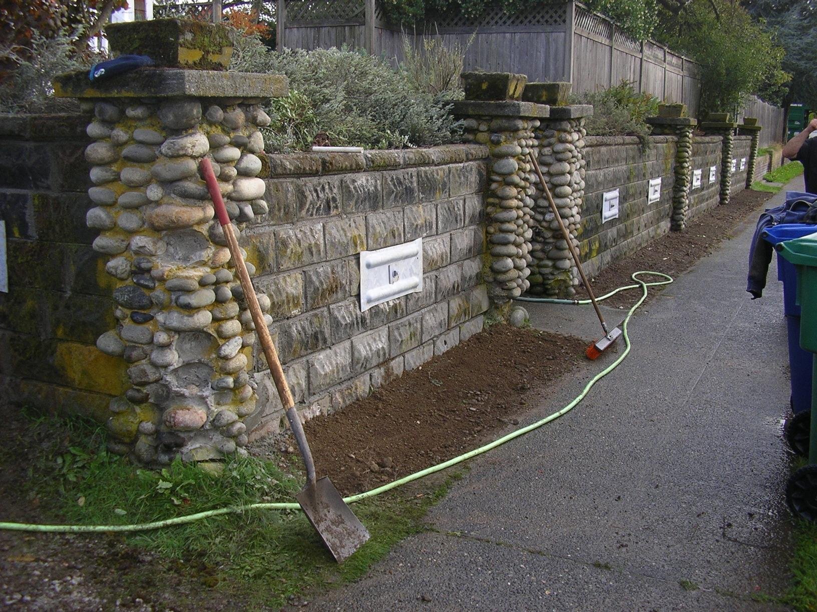 retaining wall repairs