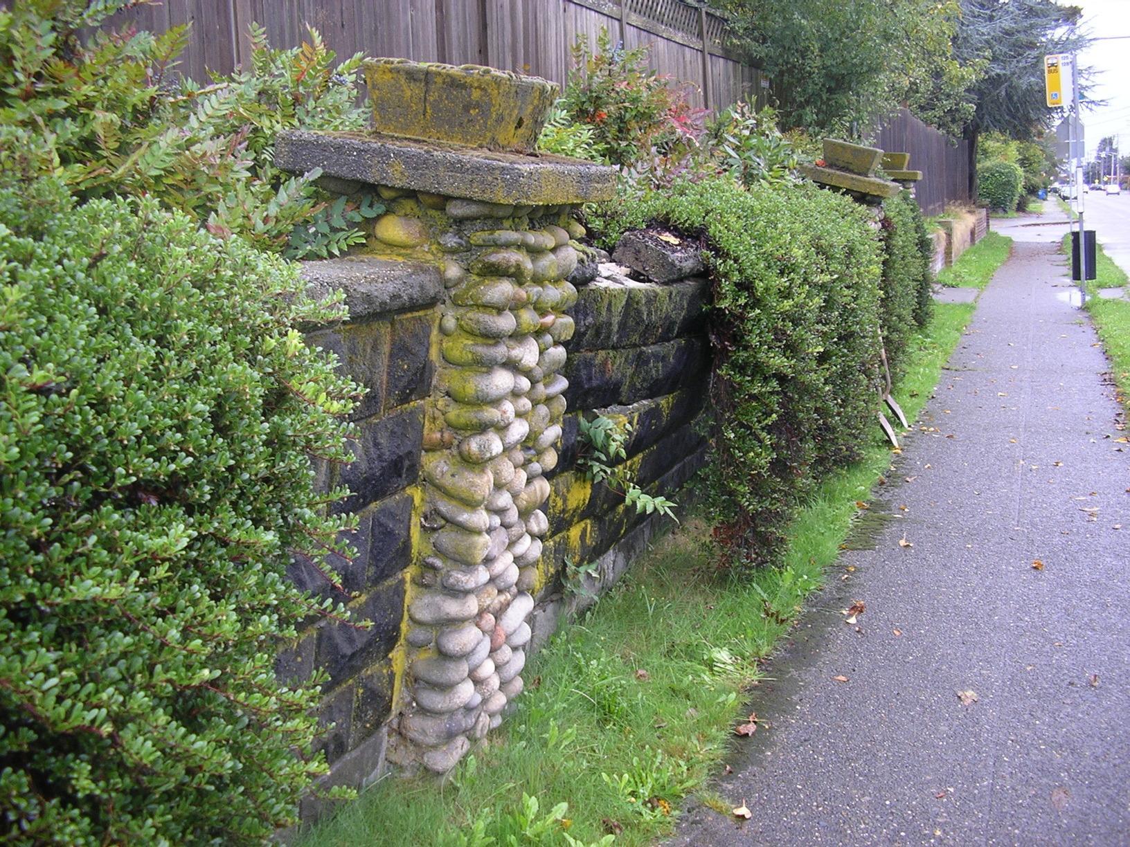 retaining-wall-before-olympia
